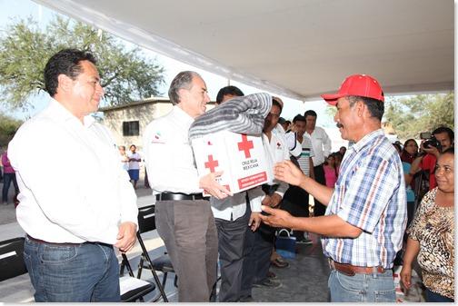 JMCL Entrega apoyos 241215 (2)