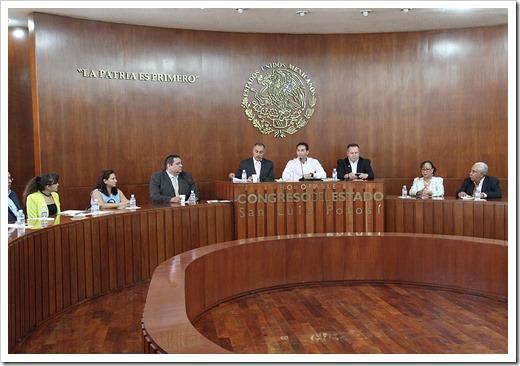Entrega de informe del tribunal estatal electoral_1