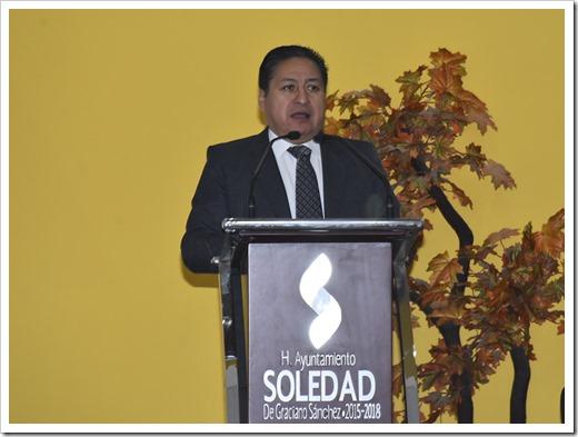 GILBERTO HERNANDEZ VILLAFUERTE, ALCALDE (2) (1)