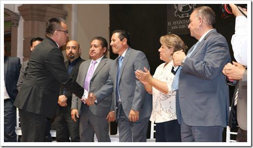 CERTIFICACION DE FUNCIONARIOS MPALES 2