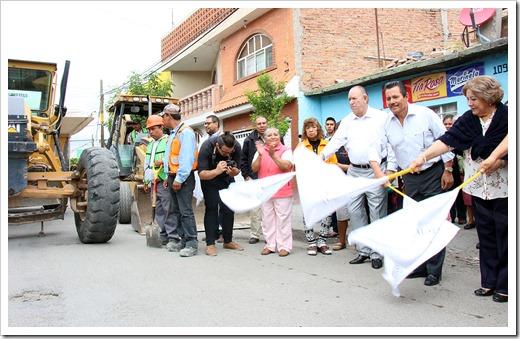 LIC RGJ EN BANDERAZO DE ARRANQUE DE PAVIEMENTACION 6