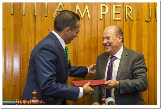 PRESENTACION DE LIBRO EL DERECHO PENAL DEL ENEMIGO UASL5525 (8)