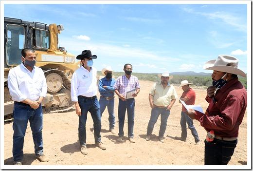 AVANCE DE UN 85 POR CIENTO EN CONSTRUCCIÓN DE BORDOS DE ABREVADERO 1