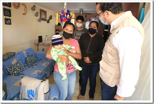 ENTREGA DE PAQUETES INFANTILES 1