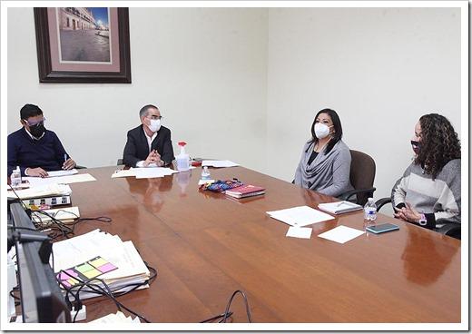 Comisión Exprofeso para Dictaminar Iniciativas Ciudadanas